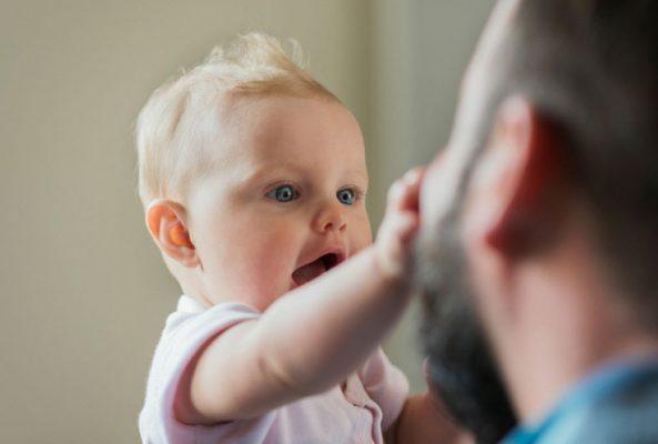 علائم اتیسم در نوزادان