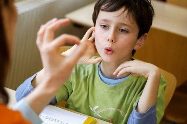 فواید گفتاردرمانی کودکان